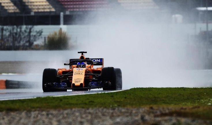 Alonso marca el único tiempo al desafiar la nieve y la lluvia en Montmeló