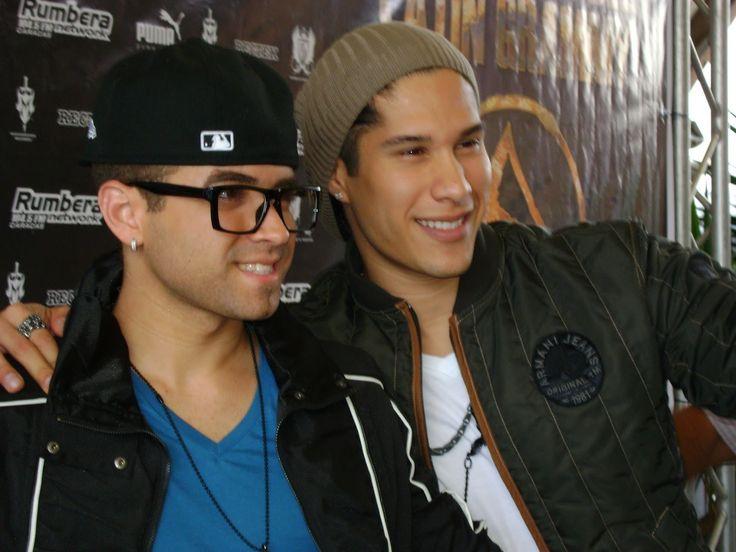 Chino y Nacho con 3 nominaciones a los Premios Billboard