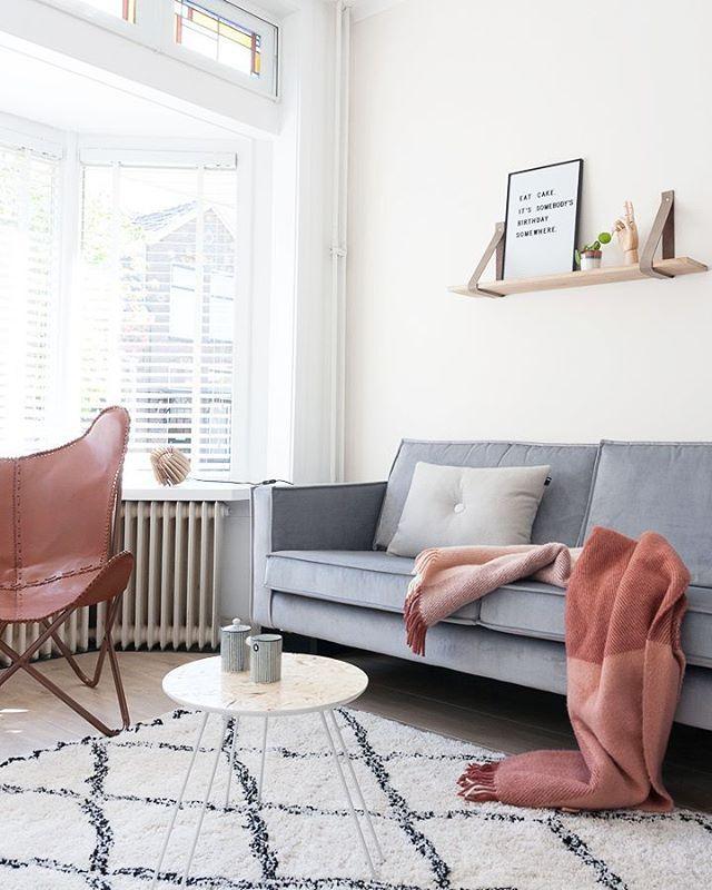 861 vind-ik-leuks, 58 reacties - Greet | Blogt over interieur (@styleandsugar) op Instagram: 'De muur achter de televisie krijgt binnenkort een make-over! Iets met concrete behang. Idee van…'
