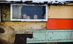 Daily Mail: Sute de rromi sunt inchisi de luni de zile in ghetoul din Baia Mare (Galerie foto)