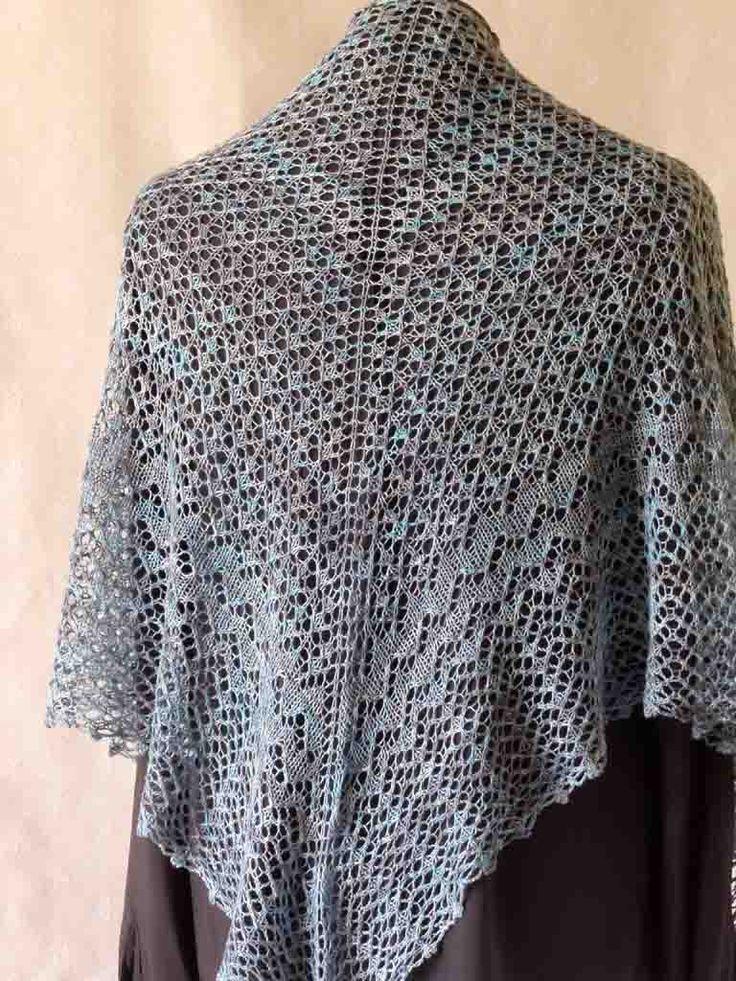 Old Town, un châle d'été que j'ai tricoté. Old Town, a summer shawl I knitted