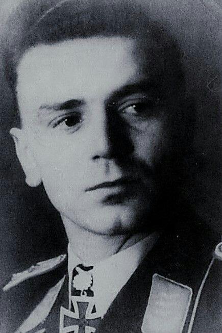 Hauptmann Hans Schalanda (1921-1945), Staffelkapitän 3./Schlachtgeschwader 1, Ritterkreuz 03.04.1943, Eichenlaub (630) 24.10.1944