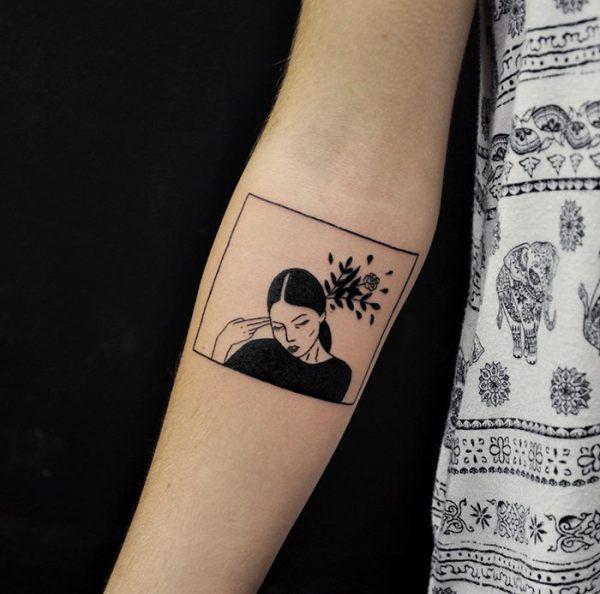 Entre poésie et punk : les tatouages minimalistes de Kim Ellen
