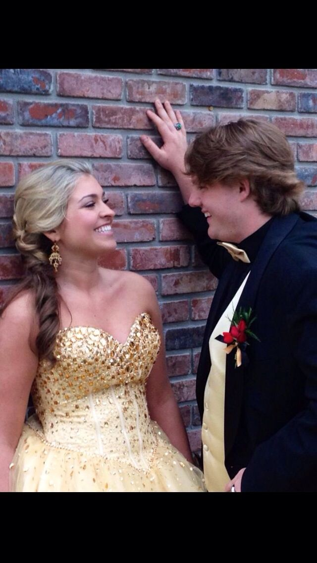 Just some ideas for prom pictures ;) Won't this be fun?
