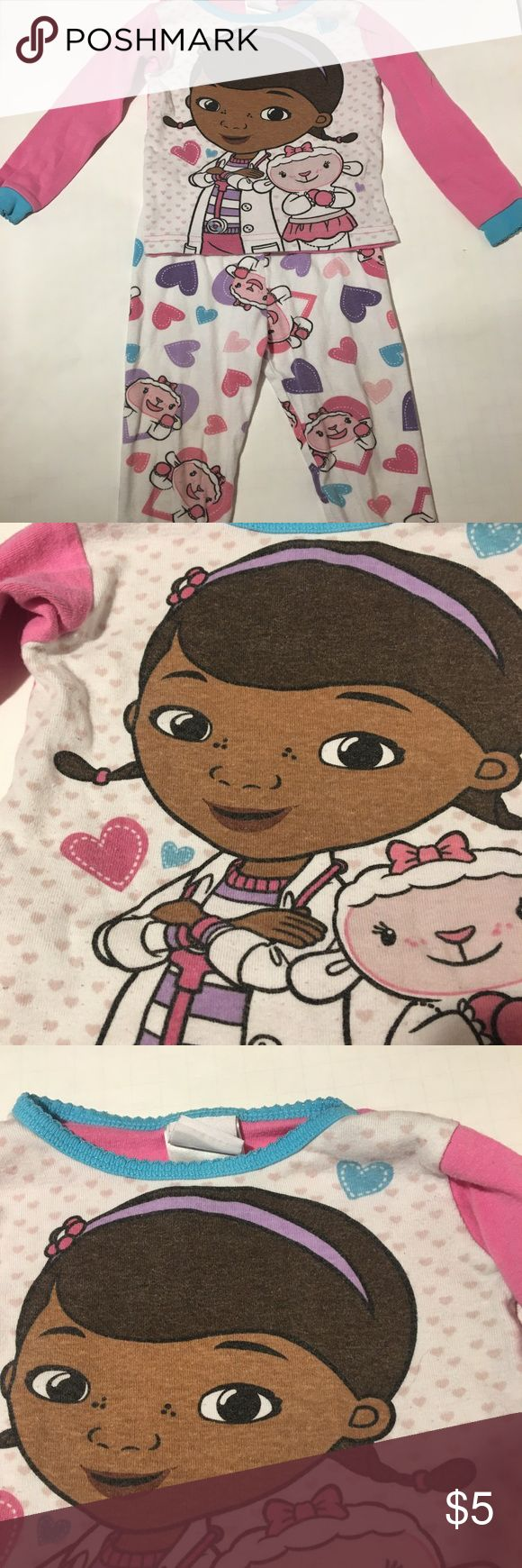 Doc McStuffins size 2T pajamas Cute Doc McStuffins pajamas in size 2T. Pants & long sleeve shirt. Disney Pajamas Pajama Sets