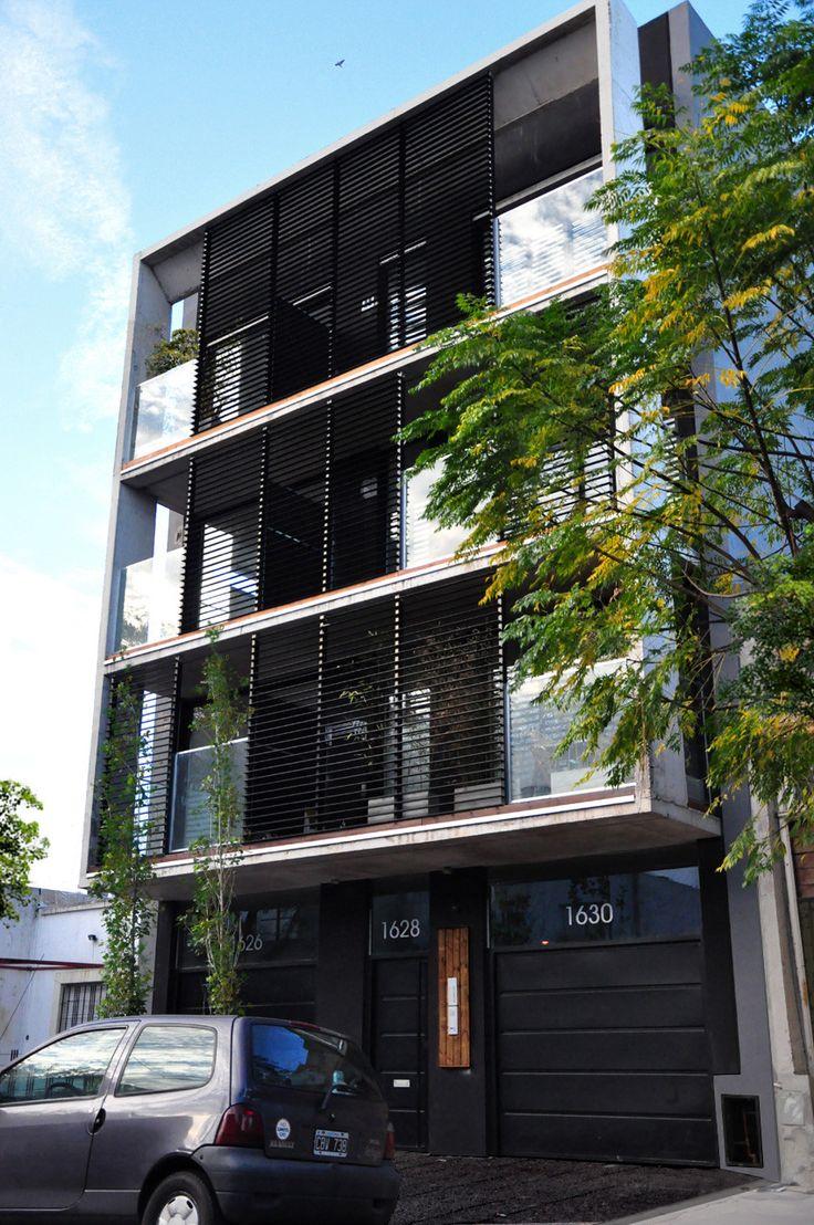 Construído pelo Estudio Dayan na Buenos Aires, Argentina Villa Ortuzar é um pequeno bairro da cidade de Buenos Aires, enclave de bairros mais estabelecidos como Palermo, Cole...