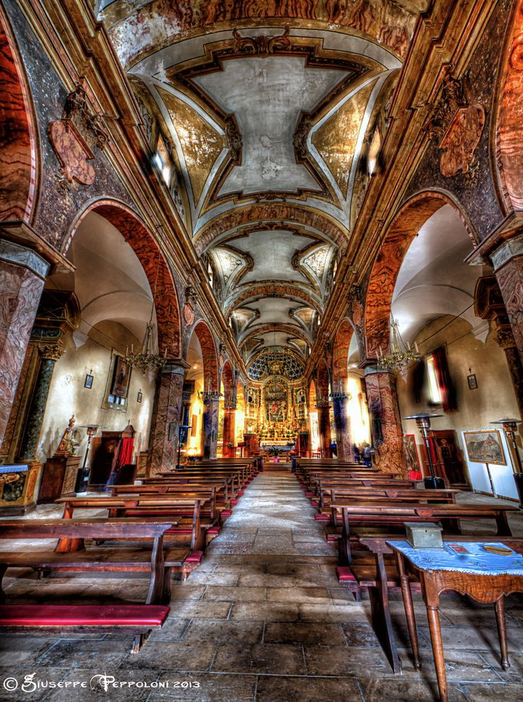 Santo Stefano. 15th C Church | Umbria, Italy. | A collection of Mummies is below the Nave in the basement.