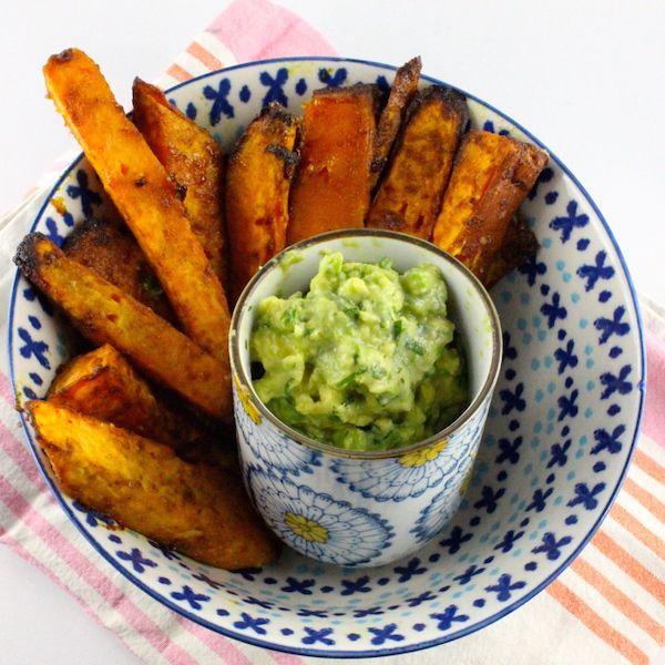 Rezept: Ayurvedische Süßkartoffel-Wedges mit Holy Guacamole