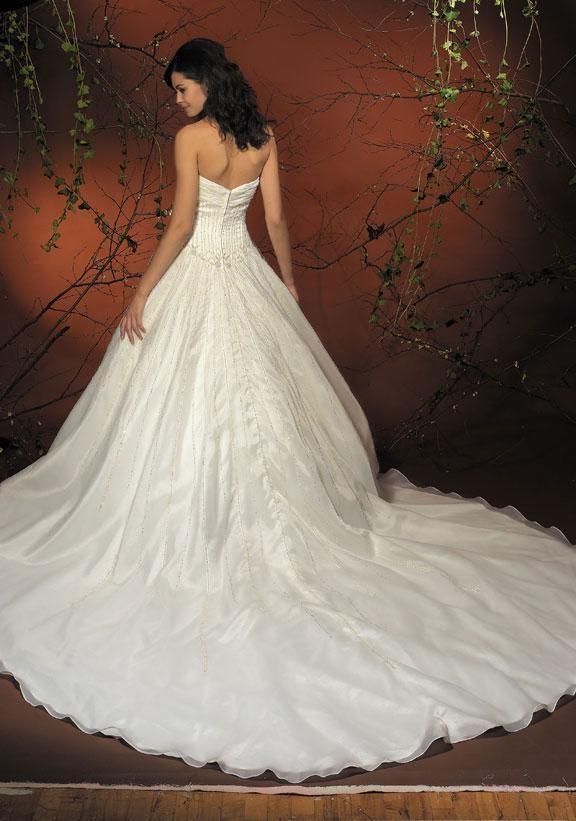 A-Line/Princess Sweetheart Chapel Train  wedding dress for brides 2011 style(WDA1129)   Love the train!