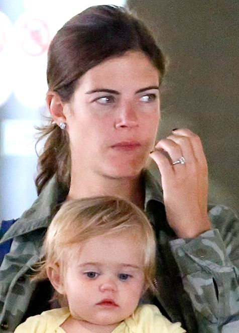 Siri Pinter showed off her new engagement ring from Carson Daly while spotted out in Los Angeles on Saturday, Oct. 5, 2013.