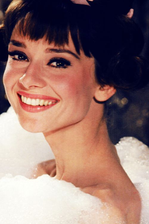 Audrey Hepburn, photographed by Bob Willoughby during the filming of 'Paris When it Sizzles' in 1962. #AudreyHepburn #actresses