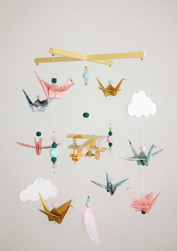 Mobile Bebe Jungle Origami Avion Bois Rose Et Vert Chambre Bebe