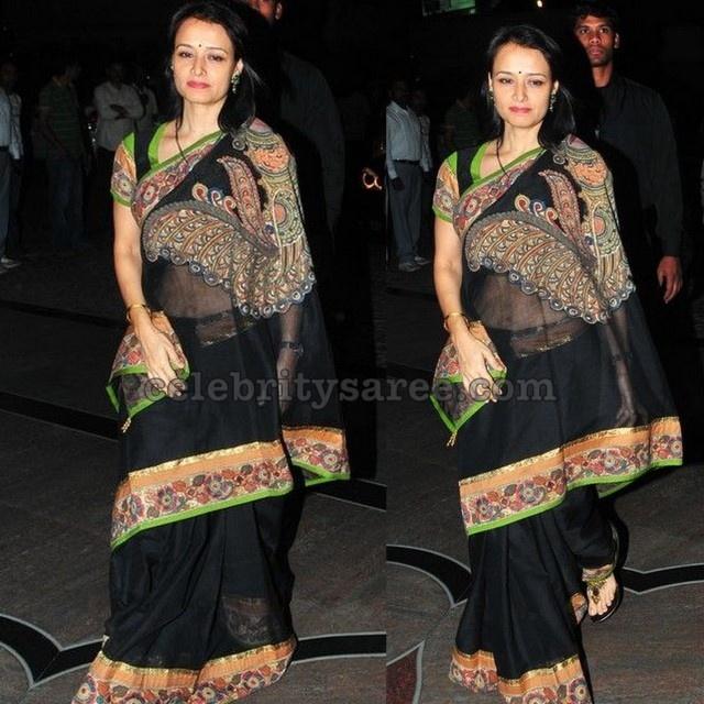 The stunning actress Amala Akkineni a true connoisseurs of Indian crafts in stunning Net featuring hand painted Kalamkari