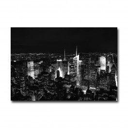 La fascination de des tours de NewYork est encore plus belle de nuit. Un superbe tableau de déco, qui prendra place facilement dans votre salon moderneTableau disponible en 55x80 cm