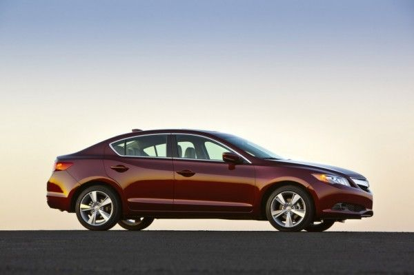2014 Acura ILX Reds 600x399 2014 Acura ILX Review Details