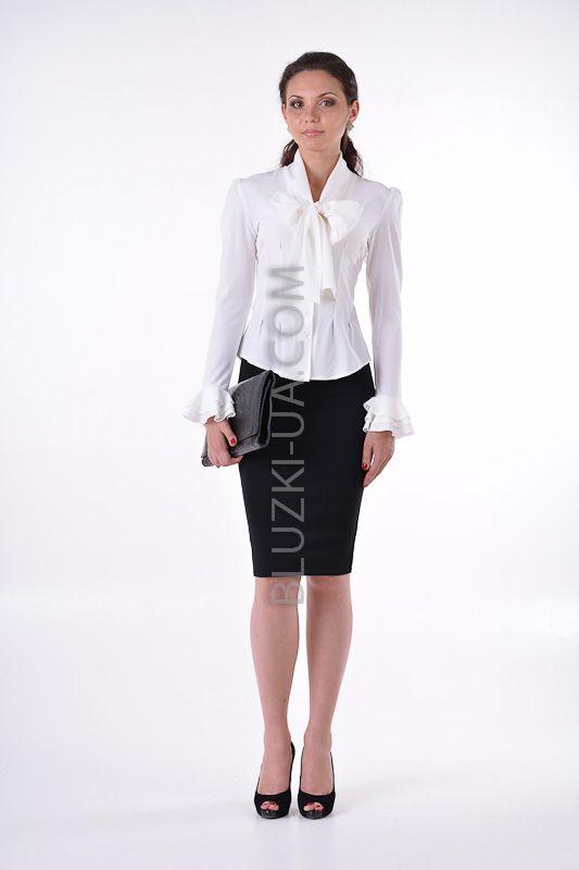 Белая блуза с бантом на груди воротником-аскот и воланами вместо манжетов, купить онлайн. Интернет-магазин БЛУЗКИ UA, Украина - женская одежда и женские блузы.