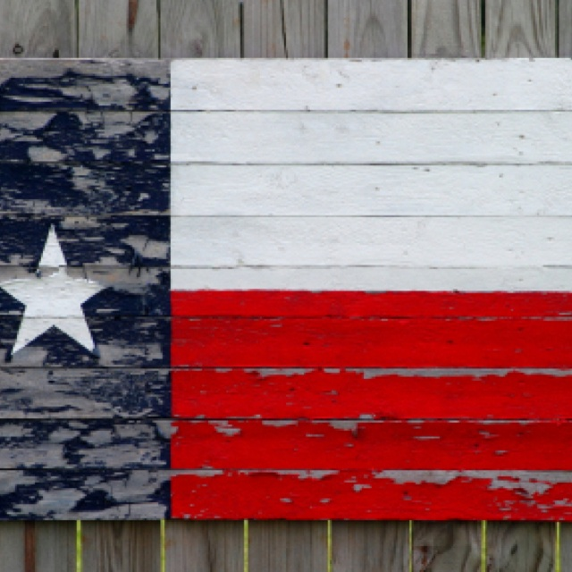 """I'd rather be a fencepost in Texas, than the king of Tennessee."" - Chris Wall Texas Singer-Songwriter-Austin.Painted Wood, Favorite Places, Wood Fences, Red White Blue, Country Chic, Painting Wood, Texas Flags, Texas Chic Decor, Wood Slat"