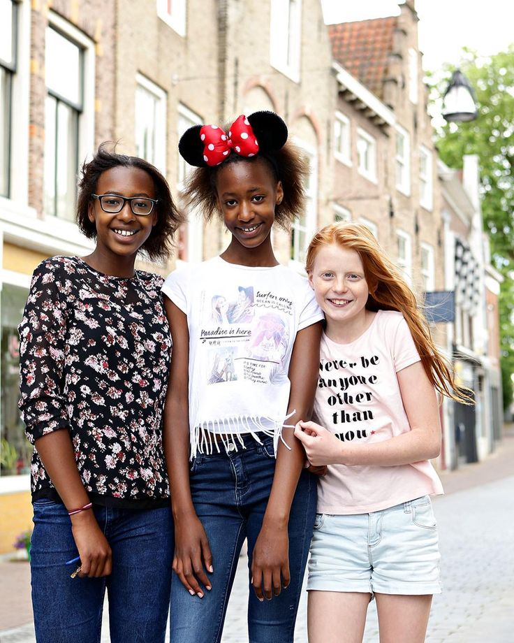 Never be anyone other than you. - #project365 #day157 #photochallenge #citygirls #sisters #girlfriends #minniemouse #city #vriesestraat #vriesestraatdordrecht #dordrecht #centrum #cityphotographer #dk_photography #cityphotography #foto #fotografie #fotograaf #portret #portraitphotography #geefjeookop #fotoshoot #portraitinthecity #stad