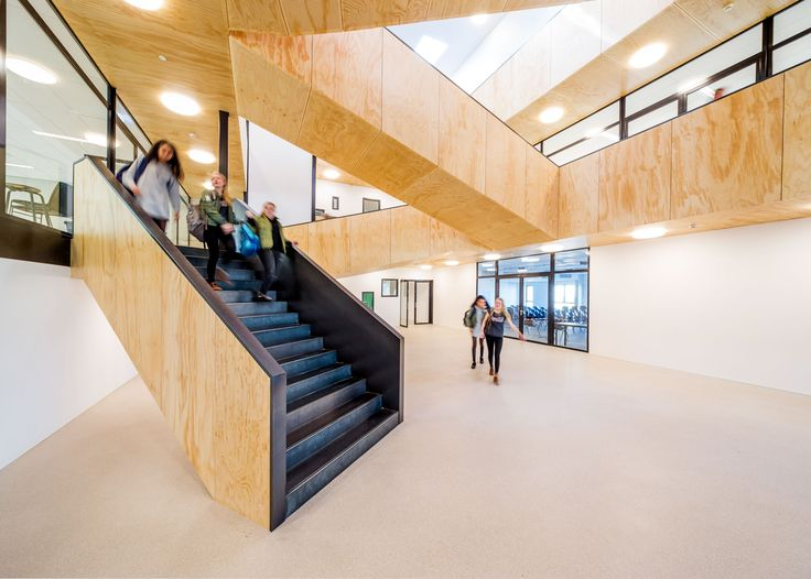 Ijburg College 2 in Amsterdam creates a 'learning community' for their students. The architecture and flooring has a huge role to play. #education #architecture #floor