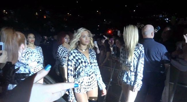"""Watch: Beyonce Performing """"Partition"""" in Manchester Live 