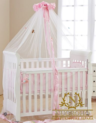 Tempat Tidur Bayi bergaya minimalis ini didesain khusus untuk buah hati bunda, sehinga bunda tidak perlu khawatir akan kontruksi akan produk tempat tidur bayi.