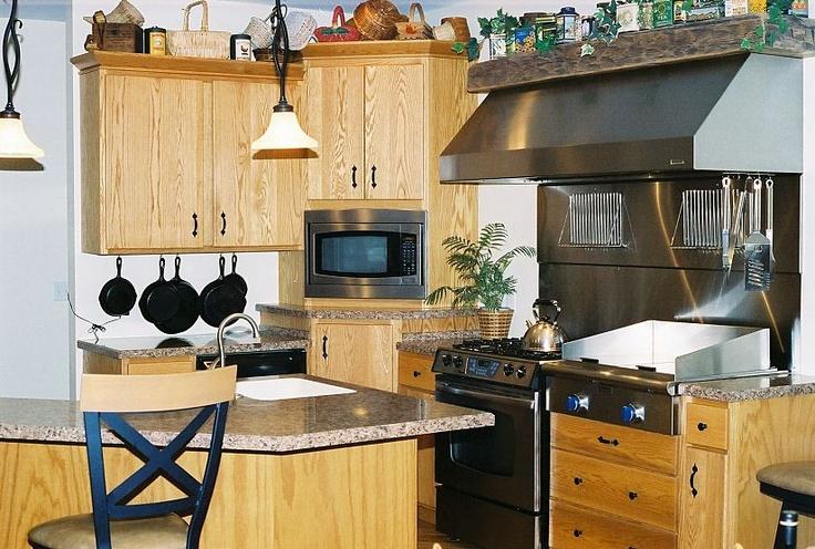 Such a cozy feel.Kitchens Design, Unique Kitchens, Oak Kitchens, Great Kitchens