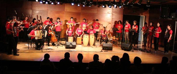 Presentación del Ensamble Transatlántico de Folk Chileno. 2015 en el Ciclo Grandes Agrupaciones