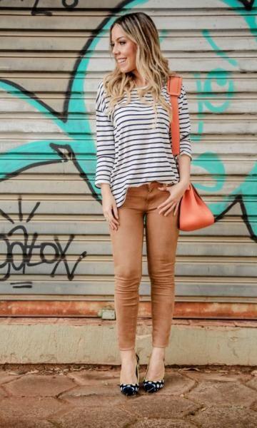 LOOK DO DIA: CRASH DE ESTAMPAS - The Blend | Moda It  Camisa Listras + Skinny Camurça Marrom + Scarpin Poá