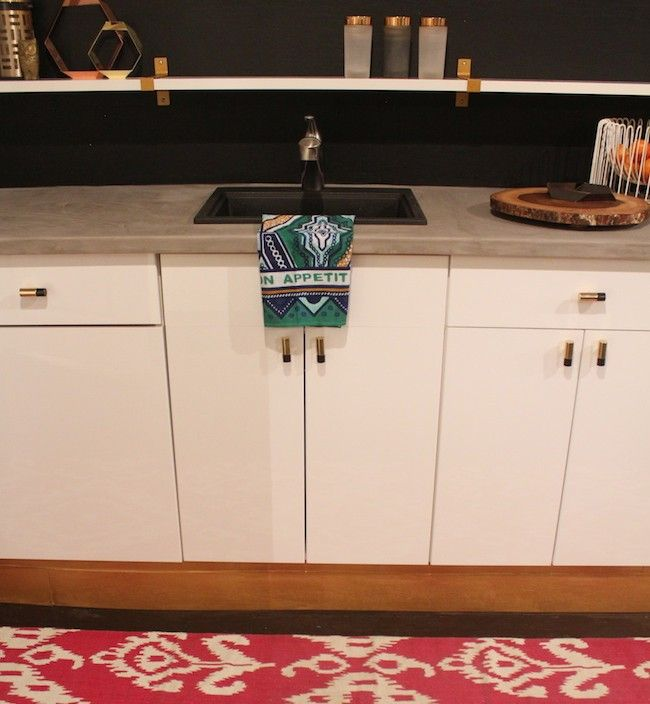 DIY Concrete Countertops (Another Version) LOVING this as an option for my kitchen redo!