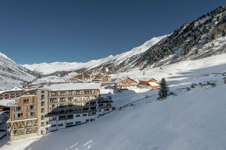 Der Skiort Gurgl in Obergurgl: Pistenparadies für Anfänger, Kenner und Könner! #topski #ski #skiresorts #austria #osttirol #tirol #tyrol #obertauern #salzburg #ischgl #skiwelt #wilderkaiser #scheffau #sölden #tux #ötztal