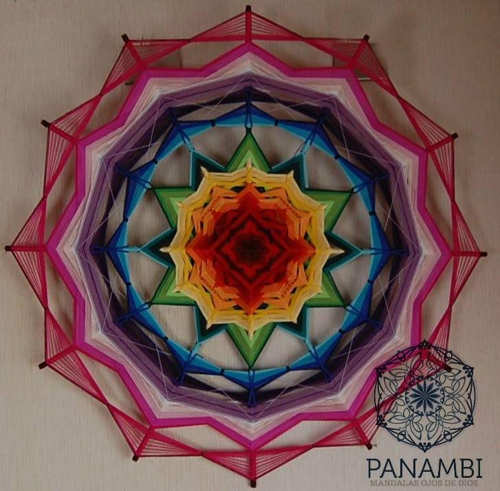 """""""la Levedad del color""""... mandala de 1 m de diámetro, 12 puntas y los 7 mágicos colores q representan cada chakra."""