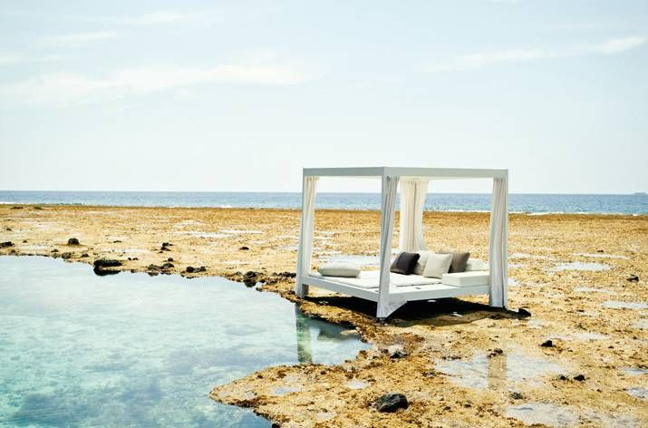 CITY CAMP Daybed by DEDON