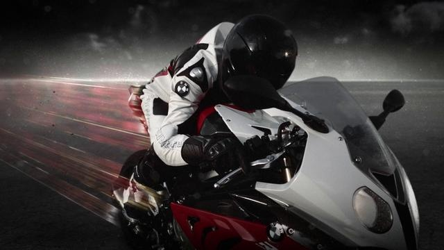 PLANET POWER - An S3D film starring the BMW S1000 RR (2D Version) by Kamerawerk GmbH. STEREOGRAPHY and STEREO SUPERVISION by KAMERAWERK GmbH. ( http://kamerawerk.ch )