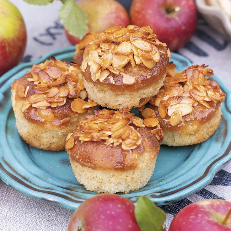 Små goda knäckäppelkakor. Servera dem som de är eller ljumna tillsammans med lite glass.