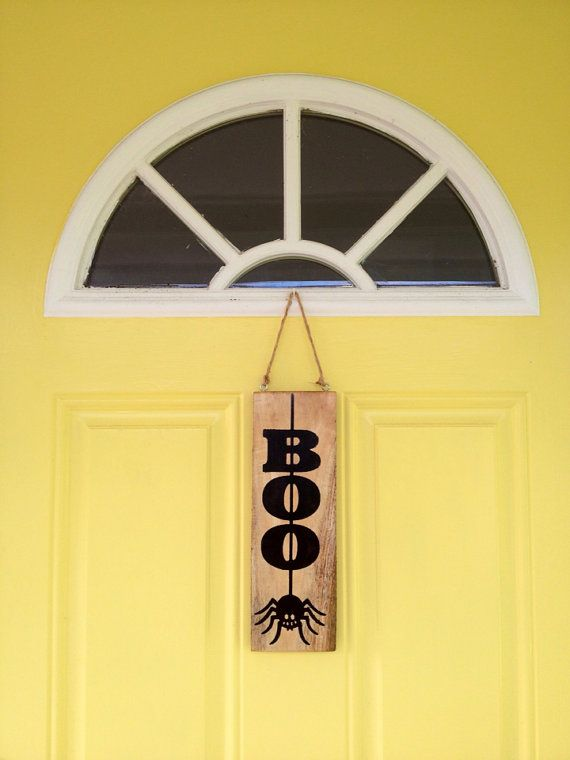 Boo Rustic Spider Halloween Sign from Reclaimed Pallet Wood