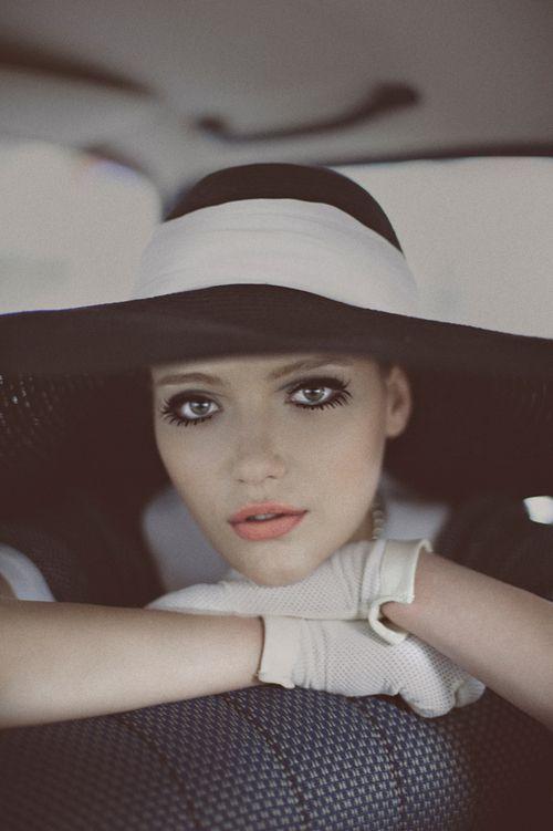 #Chanel Black & White Chapeau
