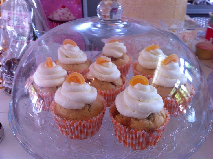 Sinaasappelcupcakes met mascarpone frosting.  Cupcakes Oosterhout NBr