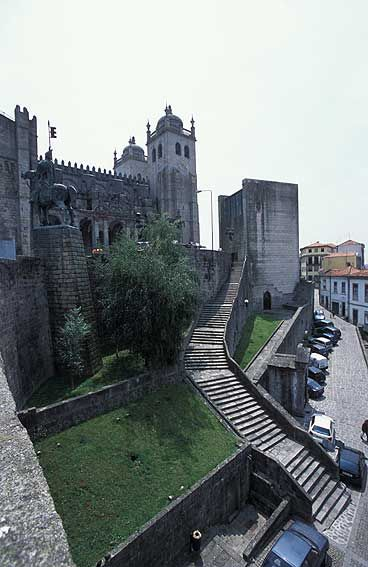 Porto, Portugal http://xaxor.com/travel/12792-porto-portugal-part-5.html