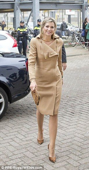 25 October 2016 - Queen Maxima visits Dutch Design Week (DDW) in Eindhoven - dress by Claes Iversen, shoes by Gianvito Rossi