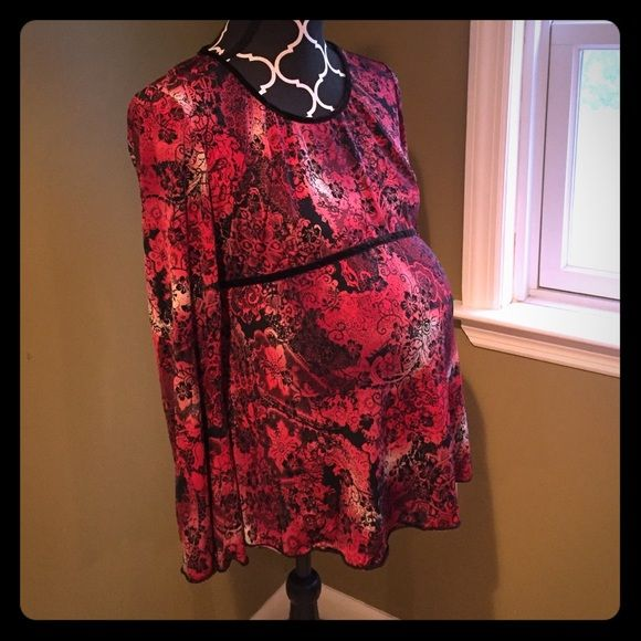 ⚡️FLASH SALE⚡️Motherhood maternity shirt Red and black maternity shirt with black flocking. Bell sleeves. Motherhood Maternity Tops