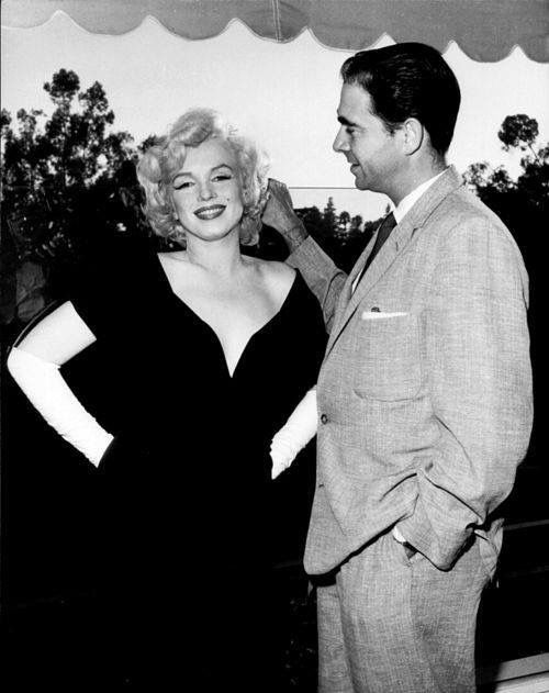 Howard Hughes & Marilyn Monroe.