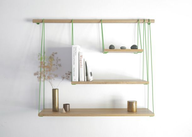 DIY Shelf / Hylde. Easy to make, round piece of wood, 1 long piece of wood, and string. Cut the long flat piece of wood in the 3 different sizes you want, and string them up.
