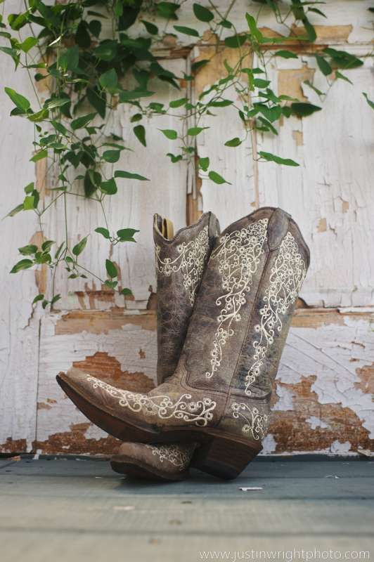 pretty cowgirl boots. Photo by Justin Wright Photography.
