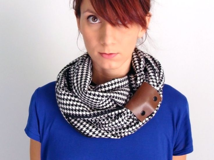 Wool infinity scarf with faux leather cuff in black & white houndstooth pattern / pied de poule - FOR SALE 32.00€ - Click here: clothbot.gr - clohbotshop.etsy.com - Fall Winter 2015 accessories, scarves trends, christmas gifts