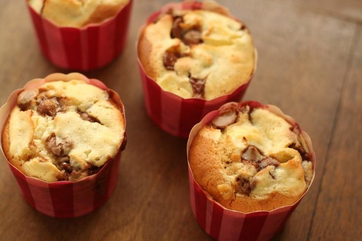 Caramel bottom cupcakes - playingwithflour