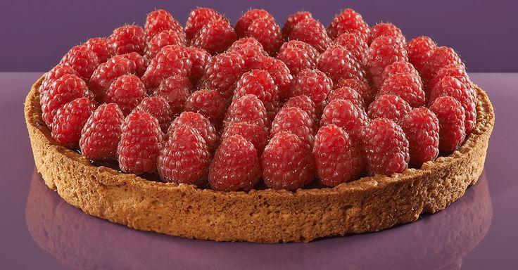 L'ANTICA Ingredienti: base frolla integrale, marmellata di lamponi, ganache di cioccolato fondente, lamponi freschi