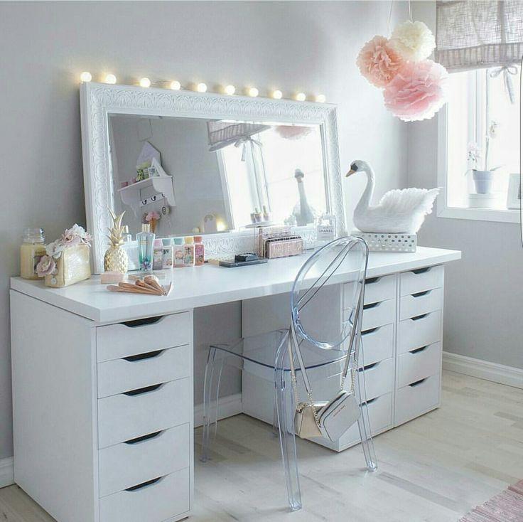 1000 ideas about bureau coiffeuse on pinterest vanities. Black Bedroom Furniture Sets. Home Design Ideas