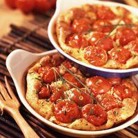 Découvrez la recette Clafoutis de tomates cerises sur cuisineactuelle.fr.