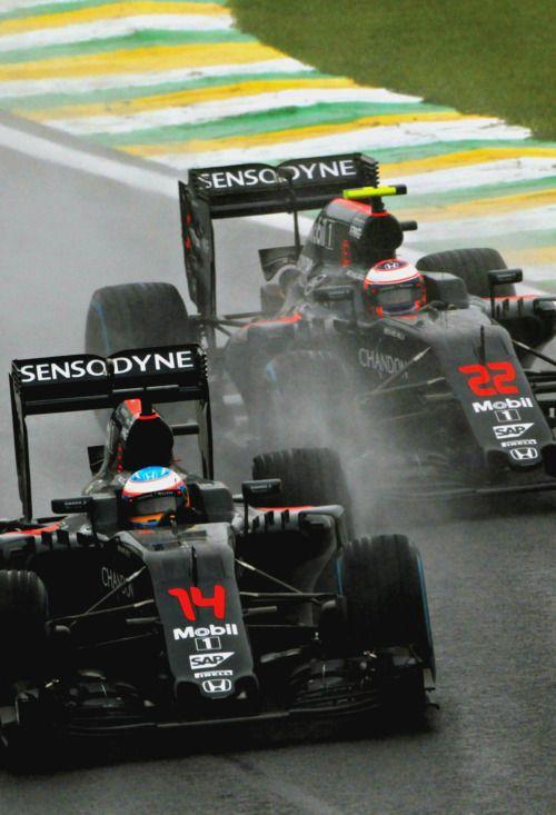Fernando Alonso vs Jenson Button l Brazil 2016