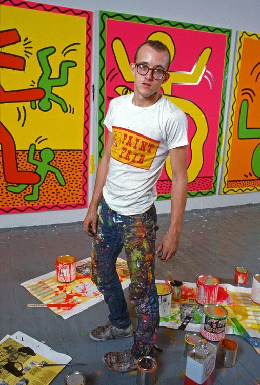 Keith Haring photographed in his studio by Allan Tannenbaum, 1982.